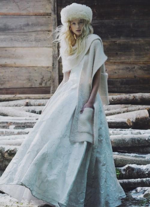 Наряд для зимней свадьбы