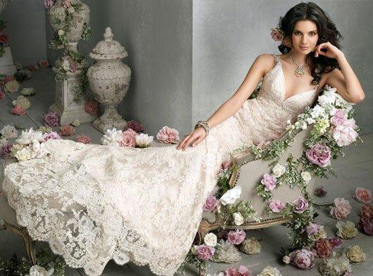 Вышивка из лент на свадебном платье