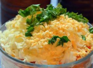 Салат слоеный с горбушей и гречкой